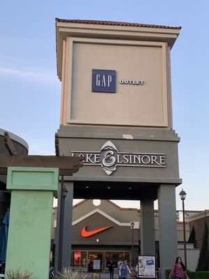 Outlets At Lake Elsinore 17600 Collier