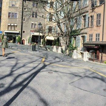 Photo of Paroisse St-Pierre-Fusterie - Geneva, Genève, Switzerland. cafe outside