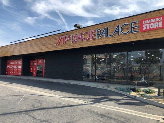 Shoe Palace 895 S E St San Bernardino