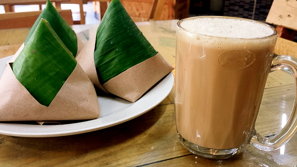 Photo of Restoran Lesung Batu - Shah Alam, Selangor, Malaysia. Nasi Lemak Daun Pisang