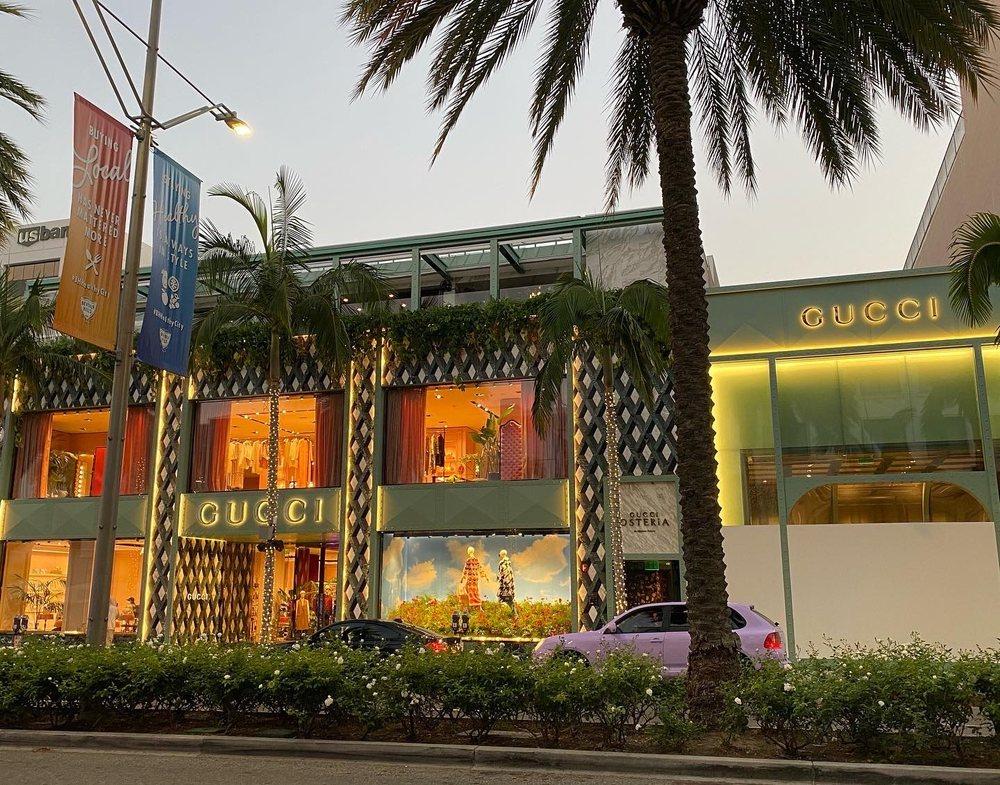 Photo of Gucci Osteria da Massimo Bottura - Beverly Hills, CA, United States. Outside entrance. Small Door in the center