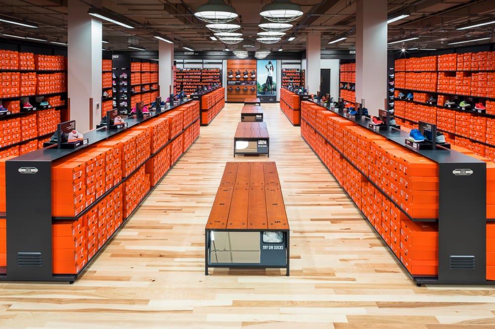 Novela de suspenso Regan No lo hagas  Nike Factory Store - 14 Photos - Shoe Stores - 2910 West Lp, Lubbock, TX -  Phone Number - Yelp
