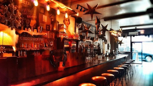 The Baroness Bar Burgers + Beer - Updated COVID-19 Hours & Services - 392  Photos & 422 Reviews - Wine Bars - 41-26 Crescent St, Long Island City,  Long Island City, NY - Restaurant Reviews - Phone Number - Yelp