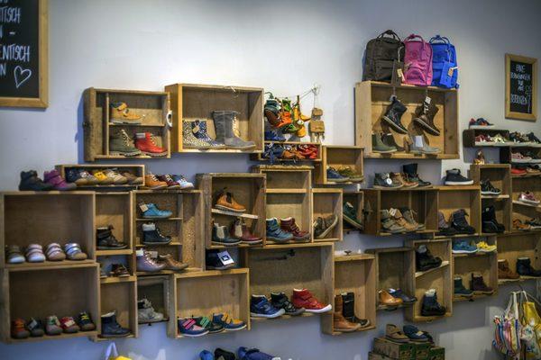 Kleiner SchuhBladen Shoe Stores Seumestr. 12