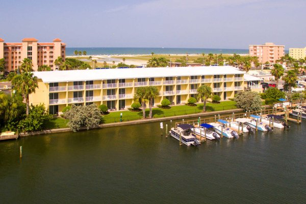Treasure Bay Resort Amp Marina 90 Photos 59 Reviews Hotels 11125 Gulf Blvd Treasure Island Fl Phone Number Yelp