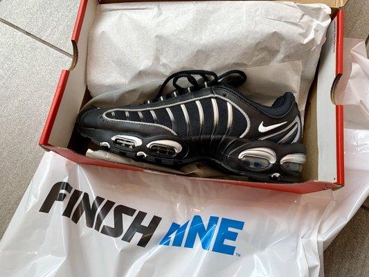 Shoe Stores - 3525 W Carson St