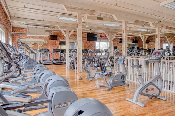 Robbin S Fitness Center 1231 W Main St Owosso Mi Health Clubs Gyms Mapquest