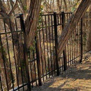 Amendola S Fence 37 Photos 39 Reviews Fences Gates 1084 Sunrise Hwy Amityville Ny Phone Number Yelp