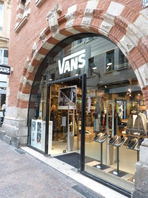 VANS STORE - Shoe Stores - 3 rue Saint Rome, Toulouse, France - Yelp