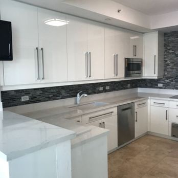 Italian Modern Cabinets in High Gloss White Lacquer. Modern ...