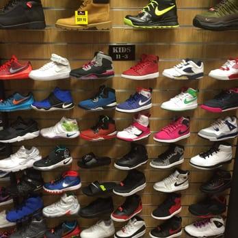 Dtlr - Shoe Stores - 3320 Silas Creek