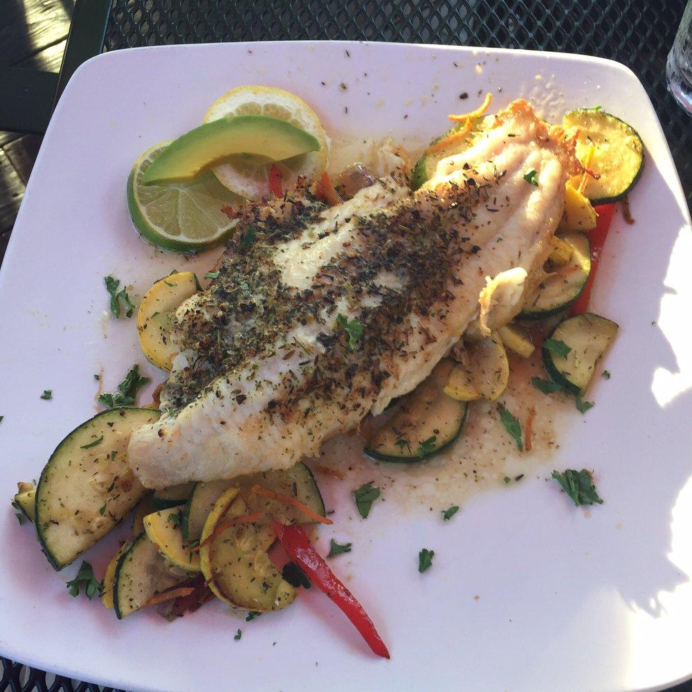 Captains Quarters Riverside Grille - Louisville Seafood Restaurants