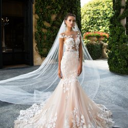 Wedding Dress Rentals in Miami, FL