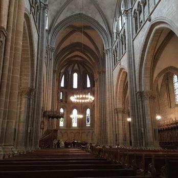 Photo of Paroisse St-Pierre-Fusterie - Geneva, Genève, Switzerland. View of inside of Saint Pierre cathedral.