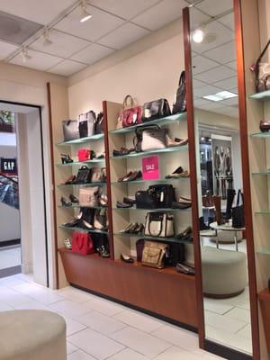 1009 Brea Mall Brea, CA Shoe Stores
