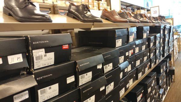 Clarks outlet 550 Assembly Row