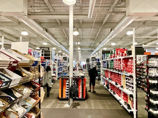 DSW Designer Shoe Warehouse - 132