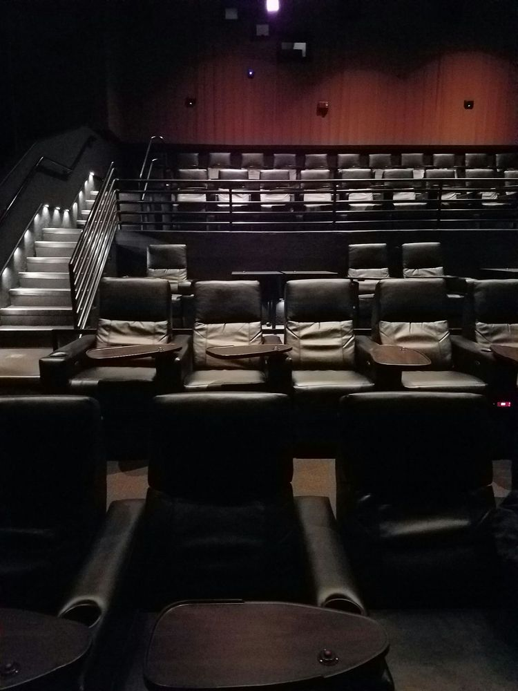 Movie Tavern Brannon Crossing 68 Photos 144 Reviews Cinema 150 Langley Dr Nicholasville Ky United States Phone Number Yelp