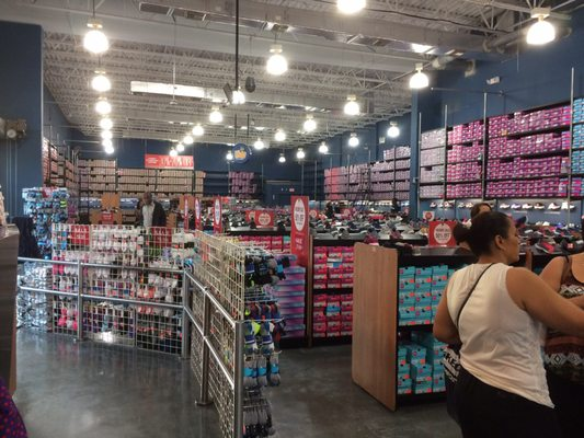 outlet skechers miami