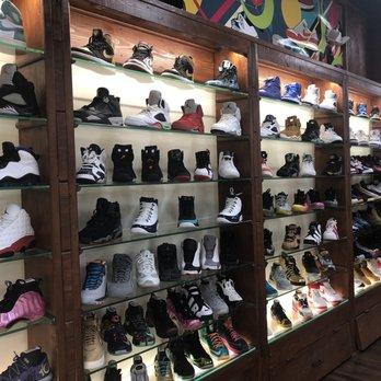 Sneaker Premier - Shoe Stores - 5636