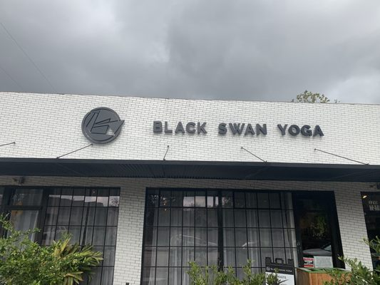 Black Swan Yoga Houston 3210 White Oak Dr Houston Tx Yoga Mapquest