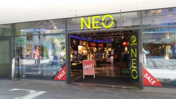 Adidas Neo GESCHLOSSEN Outdoor Königstr. 3