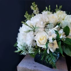 Photo of In Bloom Flowers - Dallas, TX, United States. Wedding Centerpiece