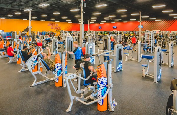 Crunch Fitness Worcester East 877 Grafton St Worcester Ma Health Clubs Gyms Mapquest