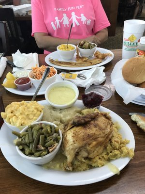 Kelley's Country Cookin' - Updated