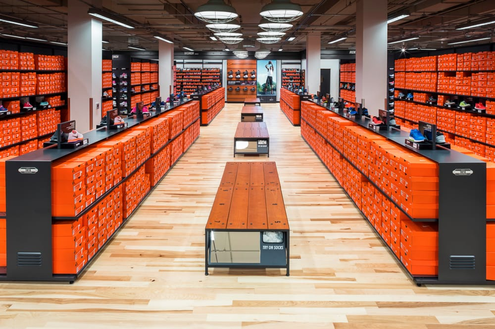 Nike Clearence Store 47 billeder & 41 anmeldelser