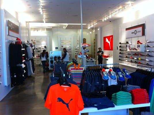 Puma FERMÉ Vêtements de sport 3200 Las Vegas Blvd S