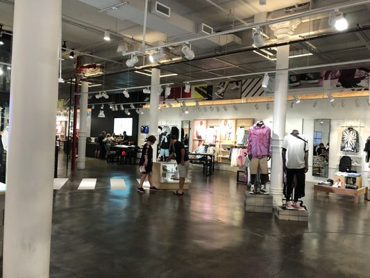 converse outlet new york