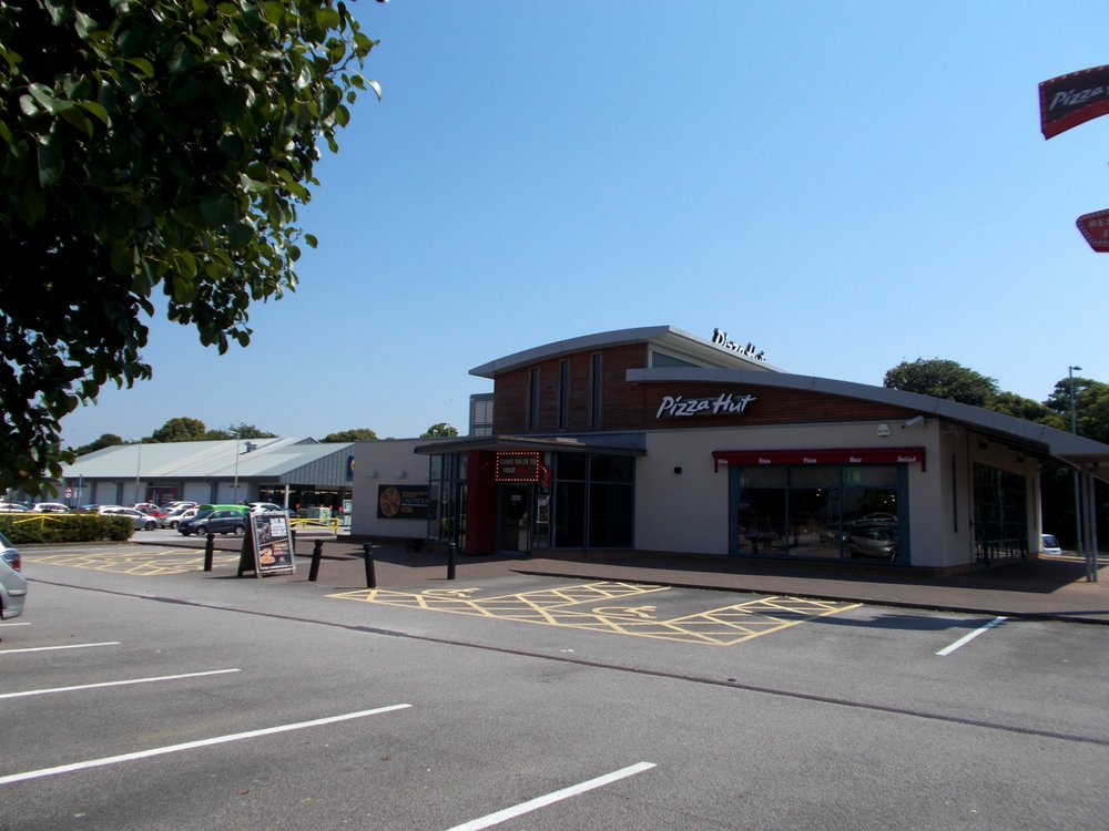 Pizza Hut Pizza Deeside Retail Park Queensferry