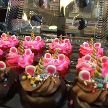 348s - Ladybug Cakes Palm Beach Gardens Fl