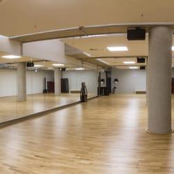 Fitness First - Black Label Club - 14 Fotos - Fitnessstudio ...