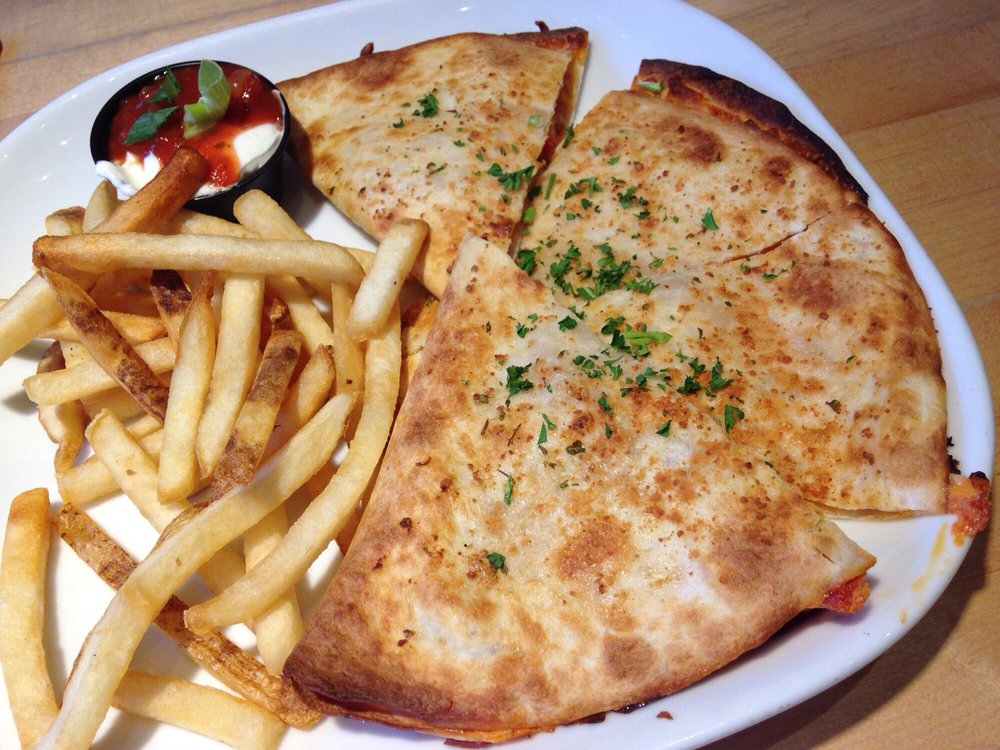 Boston Pizza 110 Photos 74 Reviews Pizza 8100 Ackroyd Road Golden Village Richmond Bc Canada Restaurant Reviews Phone Number Yelp