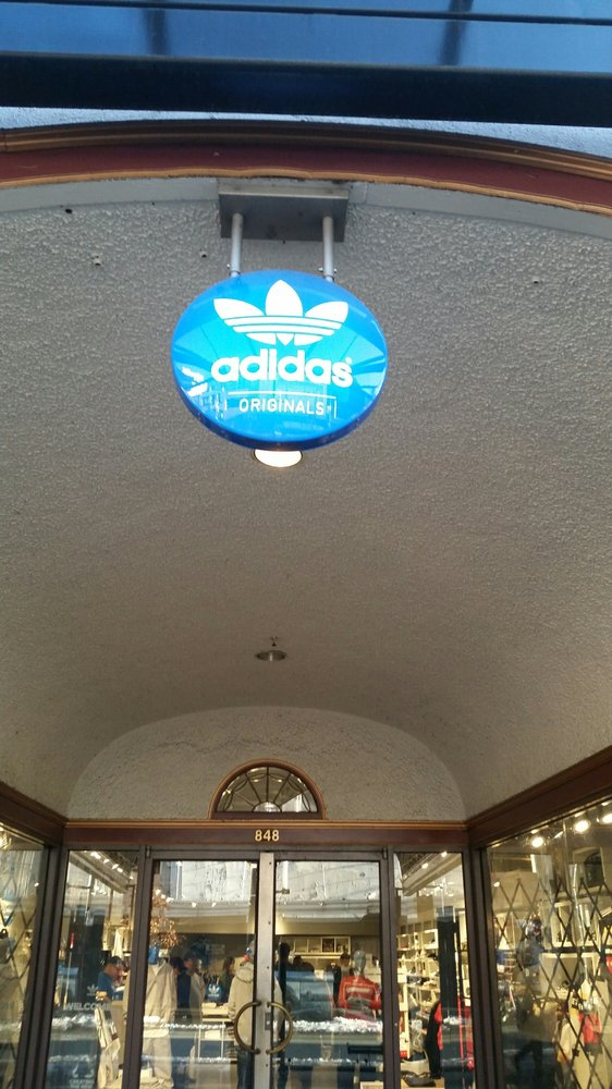 trono libro de texto Leeds  Adidas Vancouver Heritage Store - 15 Reviews - Sports Wear - 848 Granville  St, Downtown, Vancouver, BC - Phone Number - Yelp
