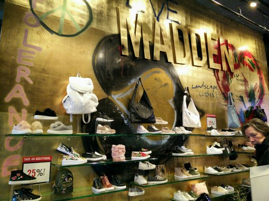 Banquete Cortar verano  Steve Madden - Updated COVID-19 Hours & Services - 14 Photos & 45 ...