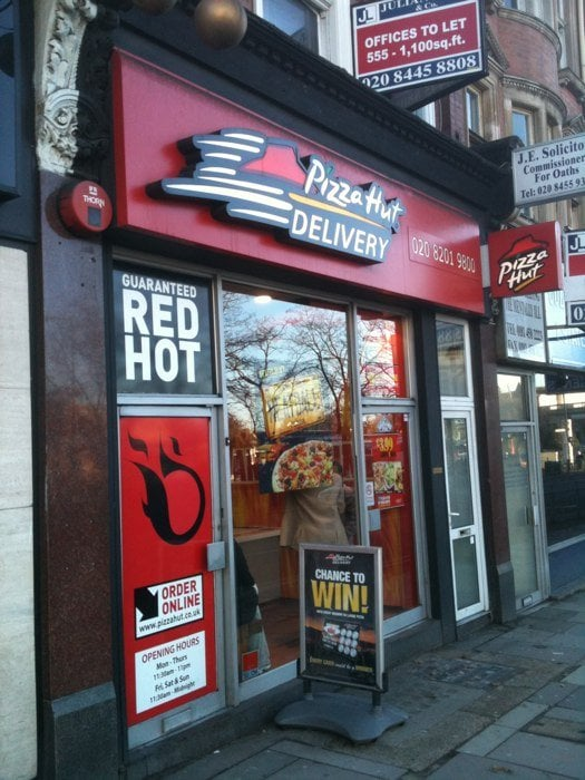 Pizza Hut Pizza 18 North End Road Golders Green London