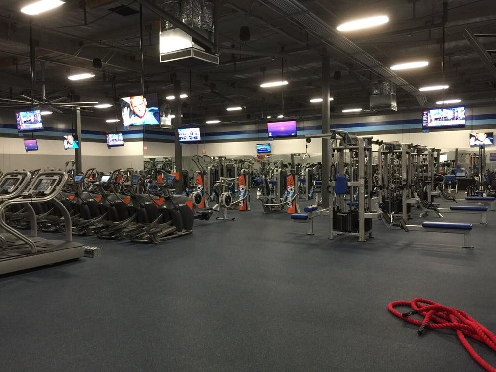 Crunch Fitness San Lorenzo 90 Photos 134 Reviews Gyms 177 Lewelling Blvd San Lorenzo Ca United States Phone Number Yelp