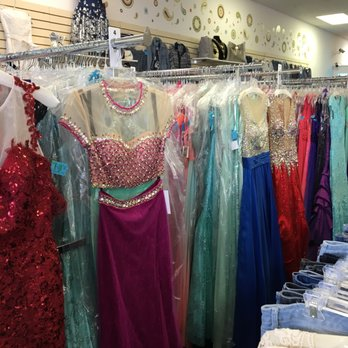 store offering Prom and formal dresses