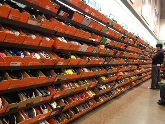 Nike Factory Store - 14 Photos - Shoe