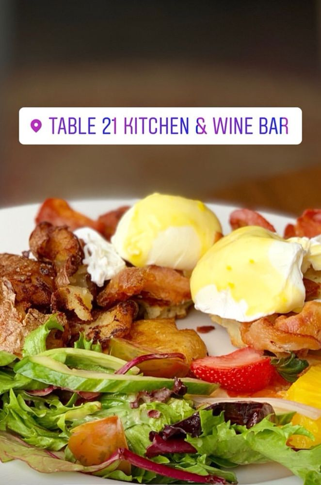 Table 21 Kitchen Wine Bar Takeout Delivery 79 Photos 19 Reviews Canadian New 2956 Bloor Street W Etobicoke Toronto On Canada Restaurant Reviews Phone Number Yelp