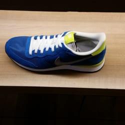 f2c39b08fee2 Shoe Stores in Manila - Yelp