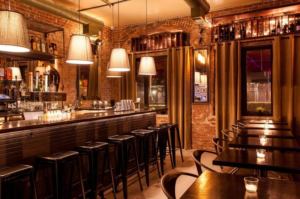 Charlie's Bar & Kitchen