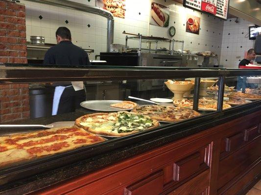 The Original Randazzo S Pizza 20 Reviews Pizza 568 Plandome Rd Manhasset Ny United States Restaurant Reviews Phone Number Menu