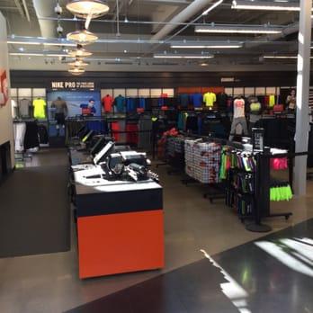 Nike Factory Store 14 billeder Skobutikker 2910 W Loop