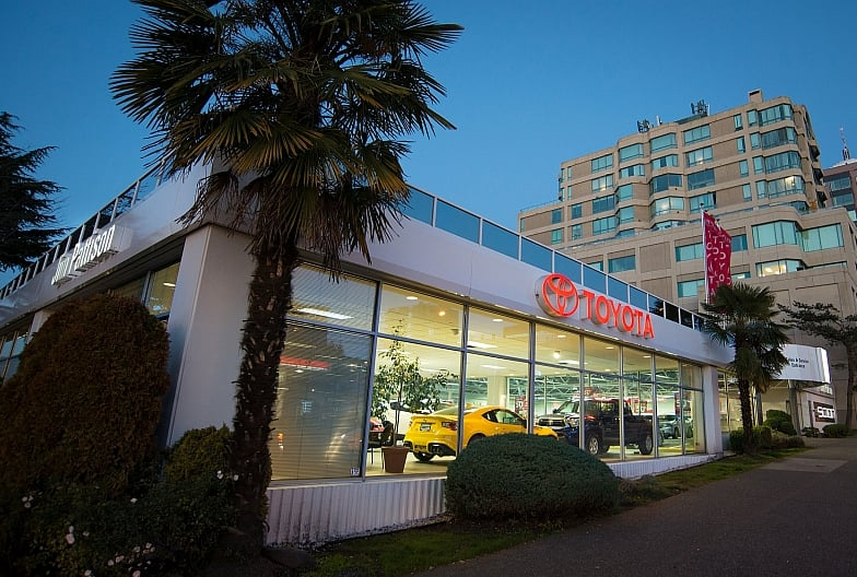 Jim Pattison Toyota Downtown 40 Reviews Auto Repair 1395 W Broadway South Granville Vancouver Bc Canada Phone Number Yelp