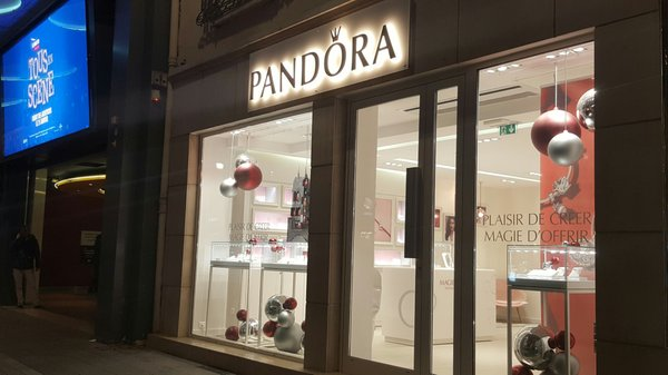 PANDORA - Jewelry - 81 rue de la République, Lyon, France - Phone ...