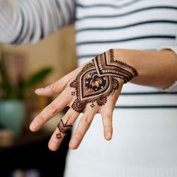 Best Henna Tattoos Near Me - September 2019: Find Nearby